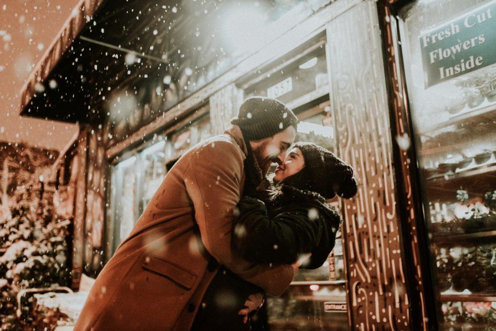 miłość para zakochani