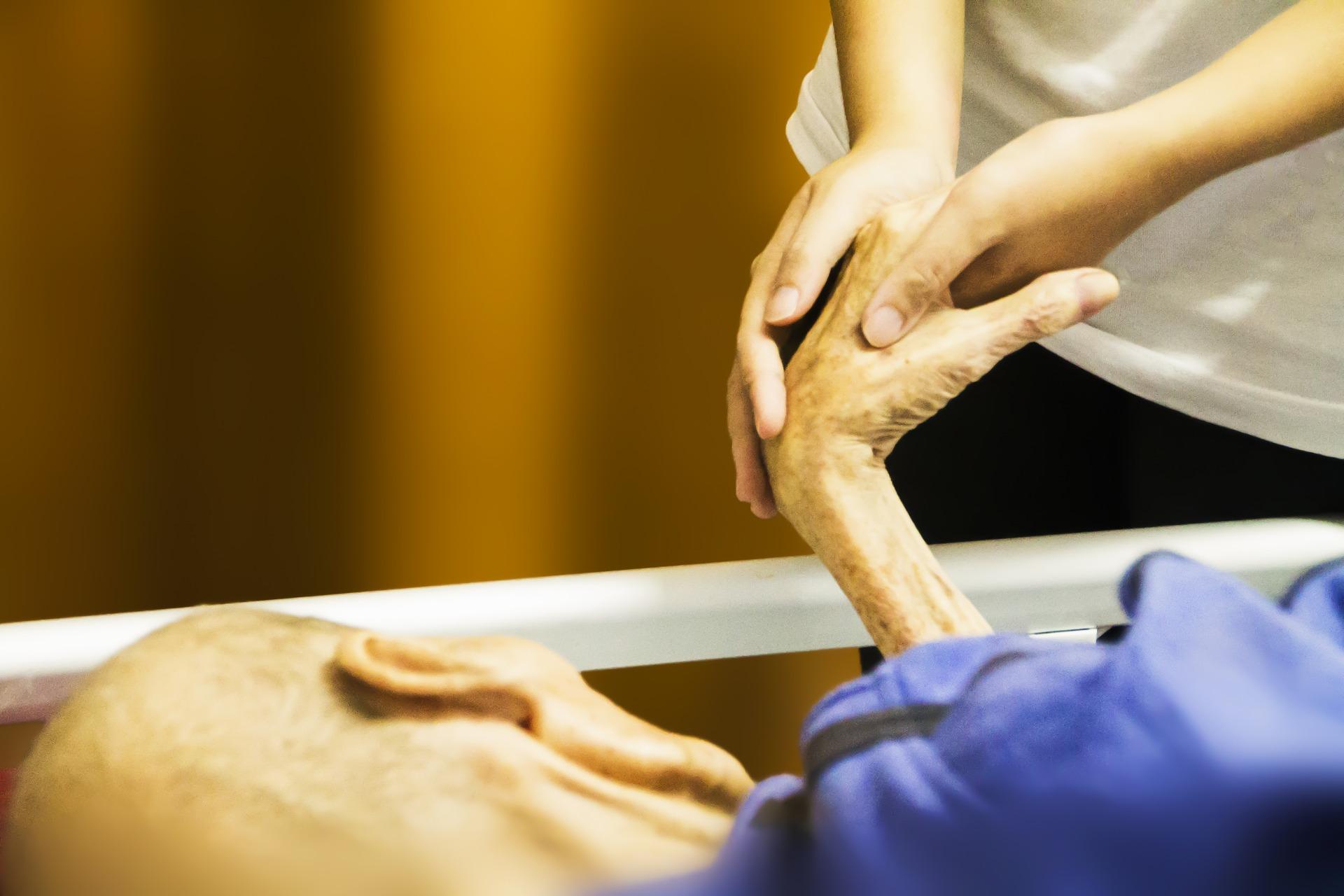 hospicjum, opieka, osoby chore, starsze