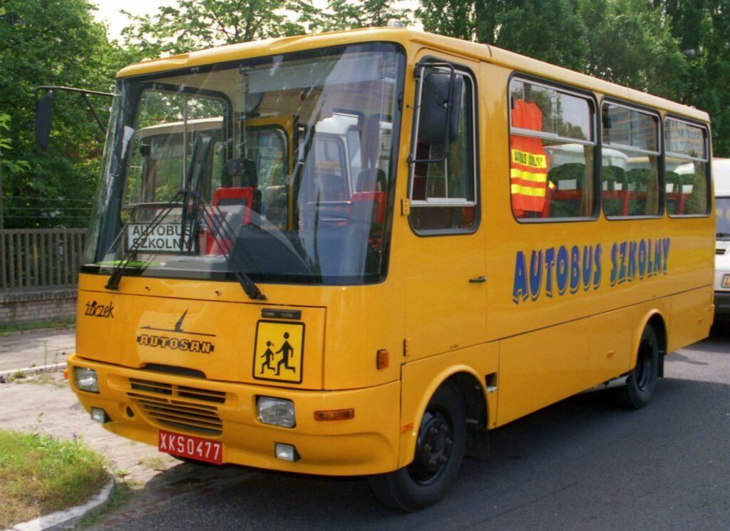 autobus szkolny, szkoła